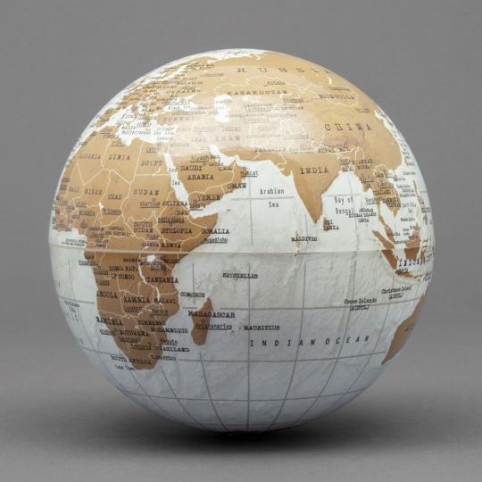 Batteriebetriebener Globus »Revolving Globe«.