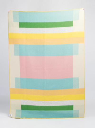Decke »Mikkel pastell«. Vom Bauhaus inspiriert.