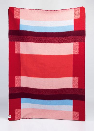 Decke »Mikkel rot«. Vom Bauhaus inspiriert.