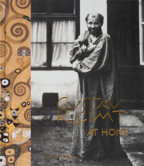 Gustav Klimt at Home. Gustav Klimt zu Hause.