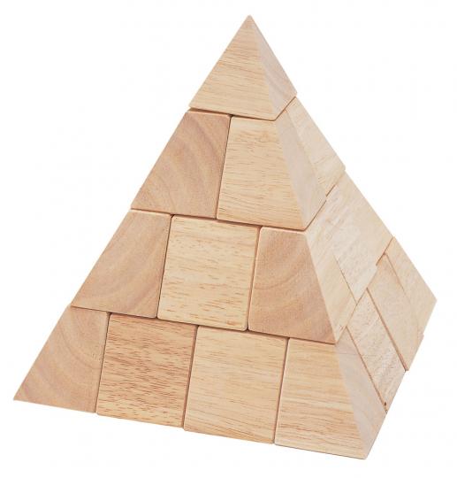 Holz-Pyramide.