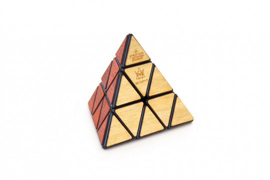 Pyraminx Deluxe. Zauberpyramide.