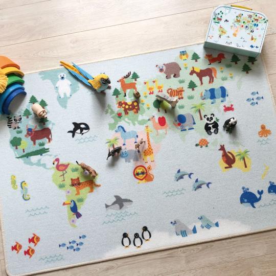 Spielteppich Weltkarte.