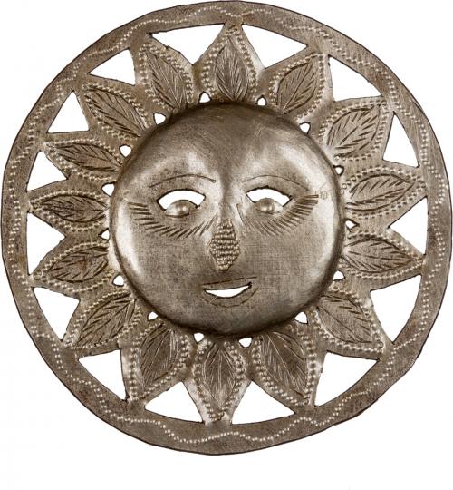 Wandornament »Sonne mit Blättern«.