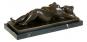 Bronzefigur Fernando Botero »Frau in Rückenlage«. Bild 1