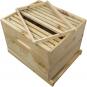 Bienenbox mit Metalldeckel und astfreiem Holz. Bild 2