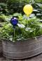 Glaskugel für den Garten, gelb und bunt getupft. Bild 2