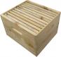 Bienenbox mit Metalldeckel und astfreiem Holz. Bild 3