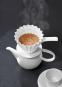 KPM Café Berlin. Kaffeefilter aus Porzellan mit Griff (Größe 4). Bild 3